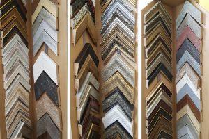 Rámovanie obrazov_ATELIÉR VIKI, Galéria AVE, Bratislava, sortiment